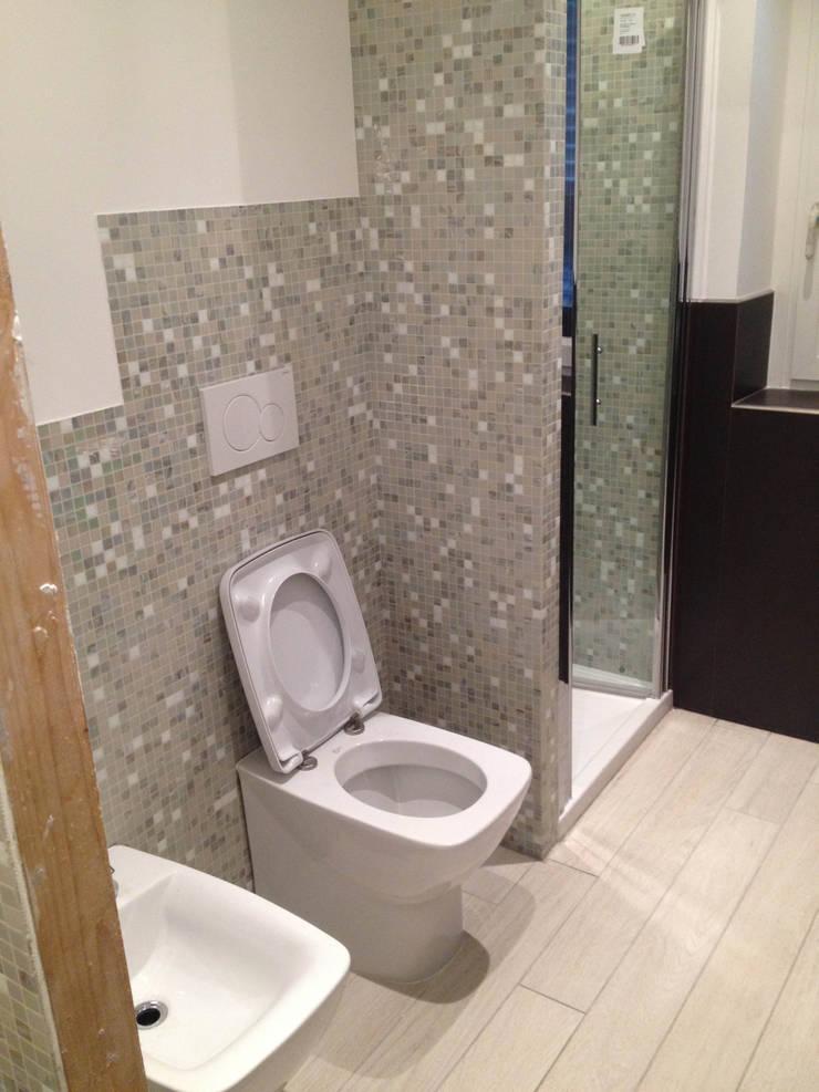 Bathroom by Alessio Virgili Architetto, Modern