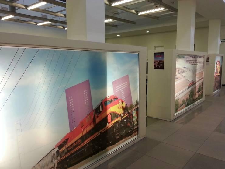 KANSAS CITY: Estudios y oficinas de estilo  por Liferoom