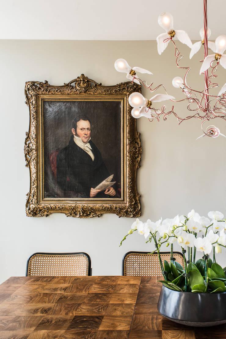 Casa em Sao Francisco: Sala de jantar  por Antonio Martins Interior Design Inc
