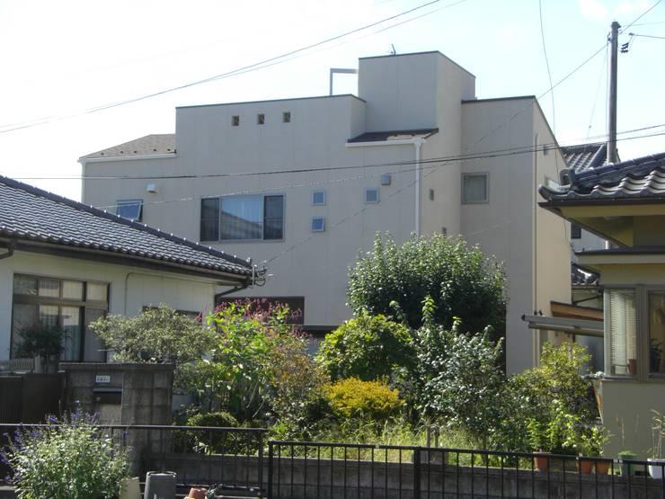 2世帯7人が同居する都市型住宅 仙台市若林区E邸: 羽鳥建築設計室が手掛けた家です。,モダン