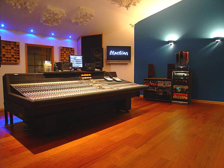 Recording studio by Trewin Design Architects Modern