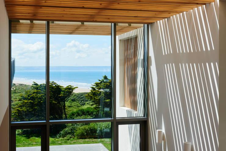 Pasillos y vestíbulos de estilo  por Barc Architects, Moderno Madera Acabado en madera