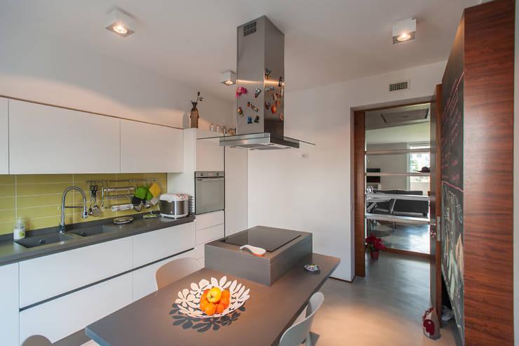 Кухни в . Автор – 2bn architetti associati