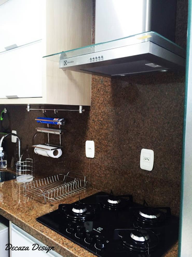 Cozinha Pequena Planejada: Cozinhas  por DecaZa Design,