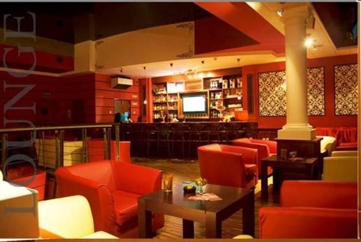 SANKALP:  Dining room by PADARRPAN ARCHITECTS