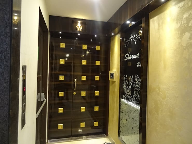 Mr.Gunjan Sharma:  Corridor & hallway by UNIQUE DESIGNERS & ARCHITECTS