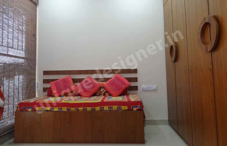 Mr. Bhadane:  Bedroom by UNIQUE DESIGNERS & ARCHITECTS