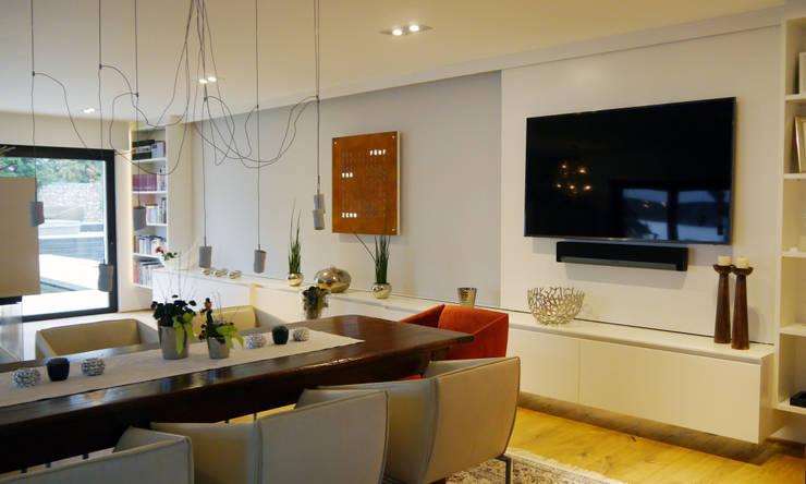 Salas/Recibidores de estilo moderno por Hammer & Margrander Interior GmbH