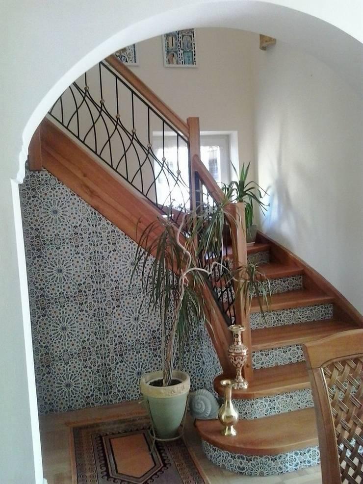 Płytki ceramiczne Mattullah: styl , w kategorii Korytarz, hol i schody zaprojektowany przez Kolory Maroka