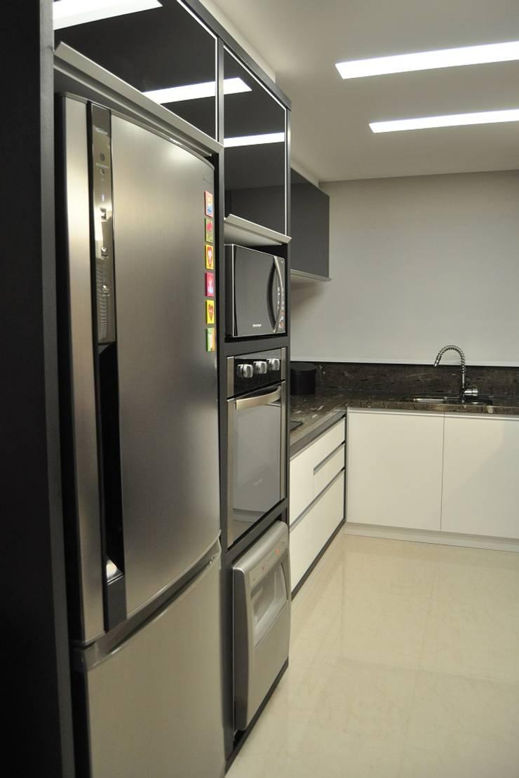 Dapur Modern Oleh ROBERTA FANTON ARQUITETURA INTEGRADA Modern