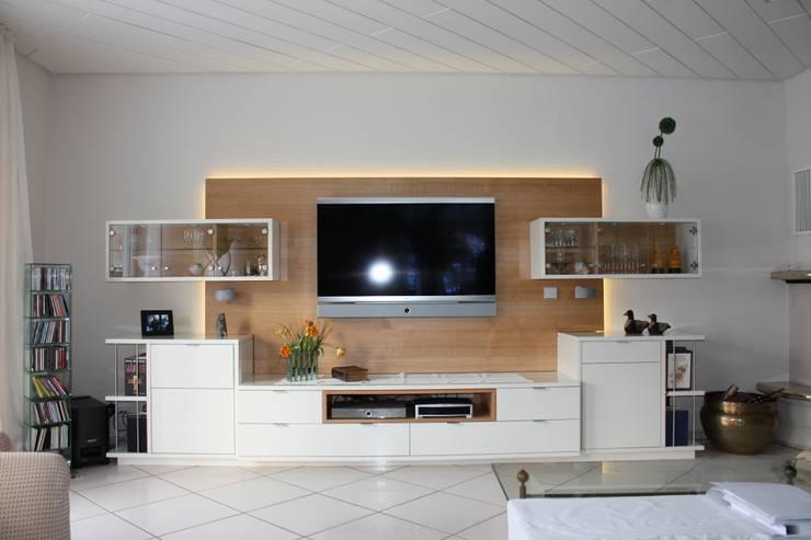 غرفة المعيشة تنفيذ Horst Fetting Individueller Innenausbau