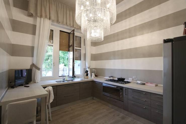 Villa Luisa, Godiasco Loc. Salice Terme (PV): Cucina in stile  di Gloria Chindamo Ingegnere Architetto