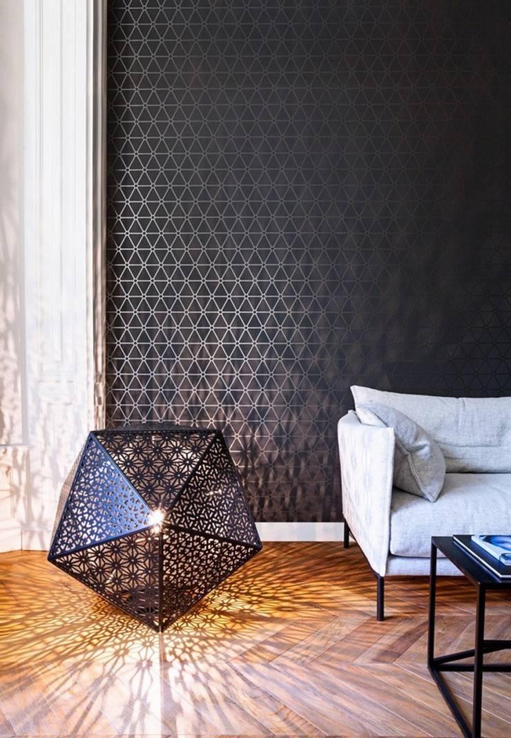 """BN Wallcoverings """"Layers"""": Paredes y pisos de estilo  por Escuadra Arquitectura C.A"""