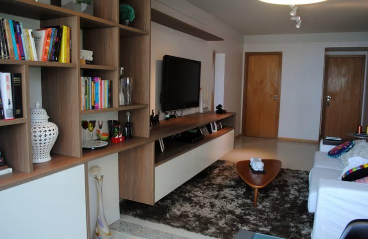 Ruang Keluarga oleh APSP Arquitetos Associados, Modern