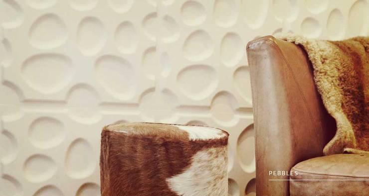 Pebbles: Paredes y pisos de estilo  por Escuadra Arquitectura C.A