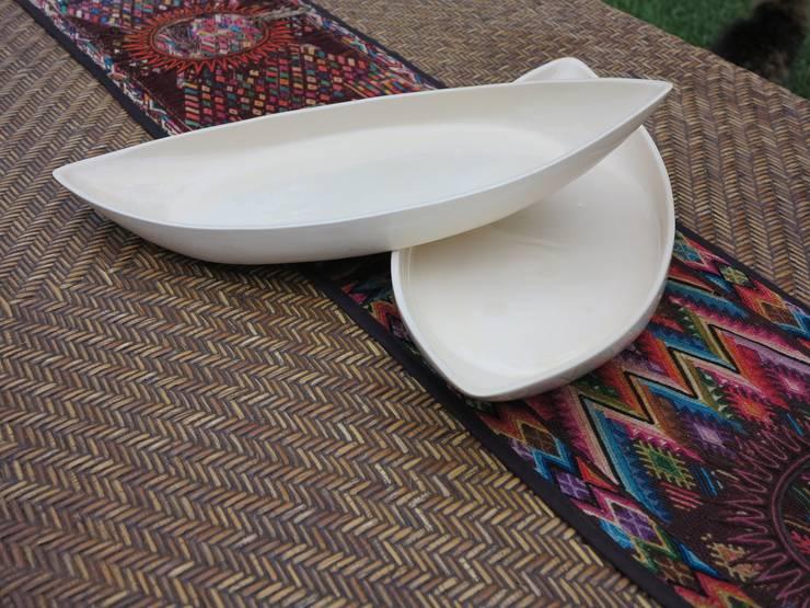 Bandeja barco:  de estilo  por ManoLatina, Moderno