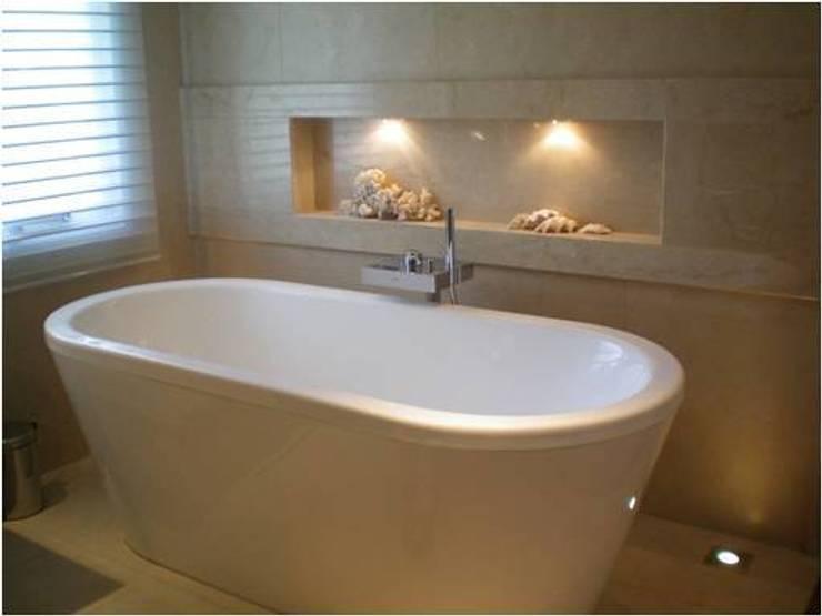 CASA RINCON 2: Baños de estilo  por FEF Arquitectas