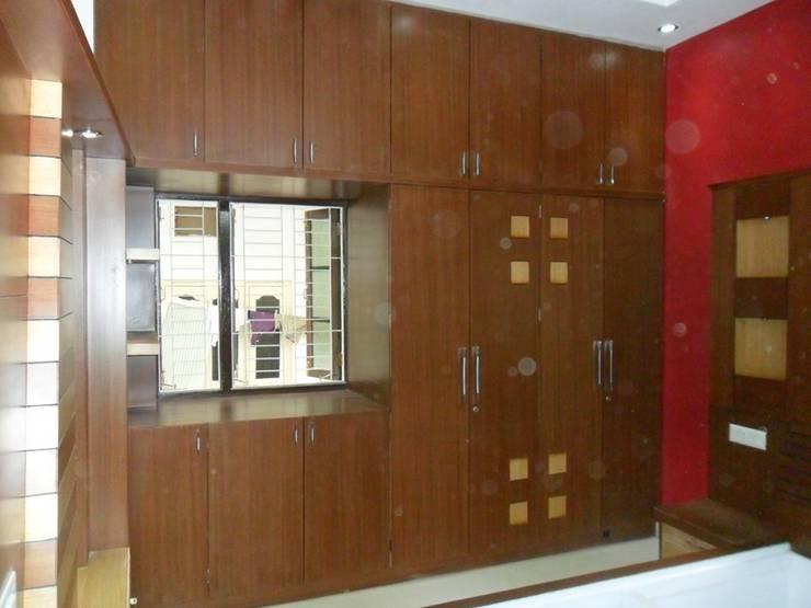 Wardrobe Designs: modern  by kranthi interior,Modern