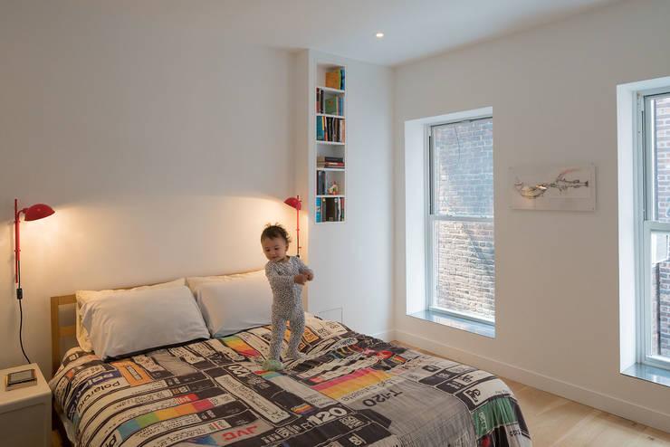 472 Greenwich st, NYC: Dormitorios de estilo  de ImagenSubliminal