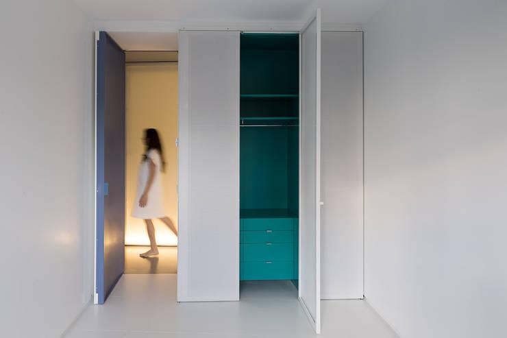 Redondeado: Dormitorios de estilo  de ImagenSubliminal
