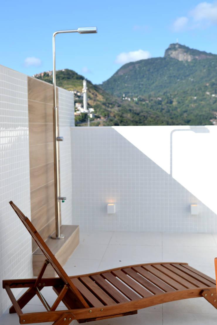 Cobertura RSB: Terraços  por C|M Arquitetura e Design,