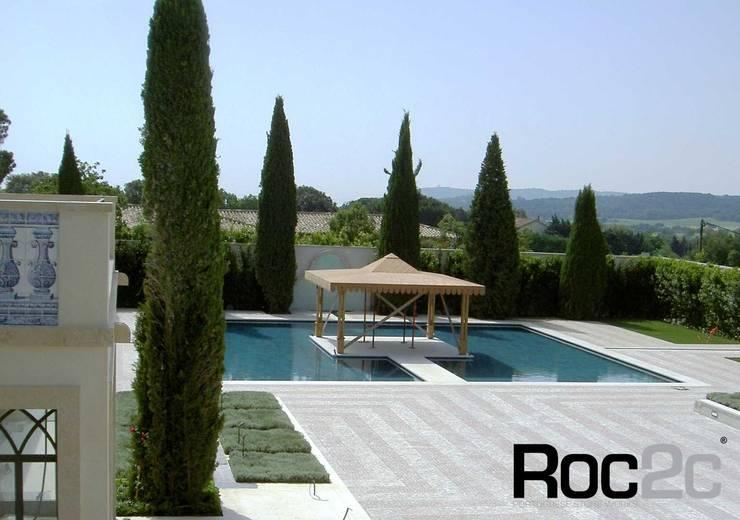 Calçada em Mansão Mediterrânea, Saint Tropez: Casas  por Roc2c