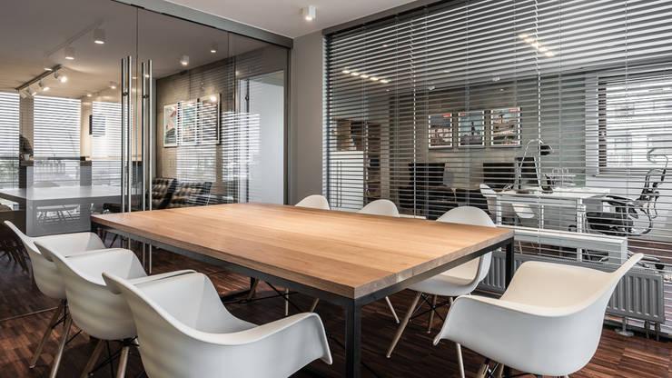 BIURO TRANSATLANTYK – GDYNIA: styl , w kategorii Biurowce zaprojektowany przez Anna Serafin Architektura Wnętrz