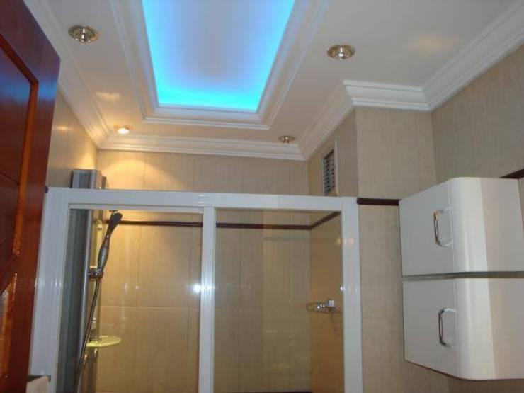 Trabajos realizados: Baños de estilo moderno por Decoraciones en draywal