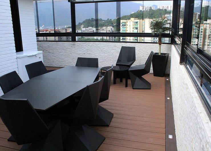 Terrasse von AL + ARQUITECTURA , Modern