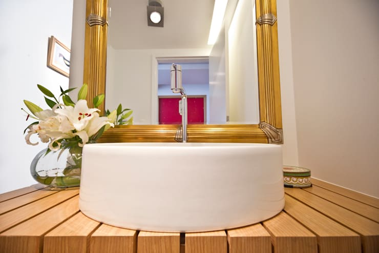 Baños de estilo  de MCC Arquitetura, Moderno