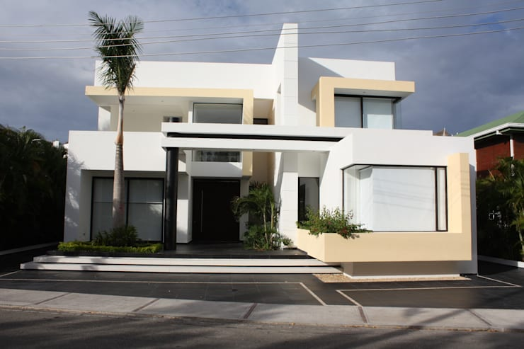 modern Houses by Camilo Pulido Arquitectos