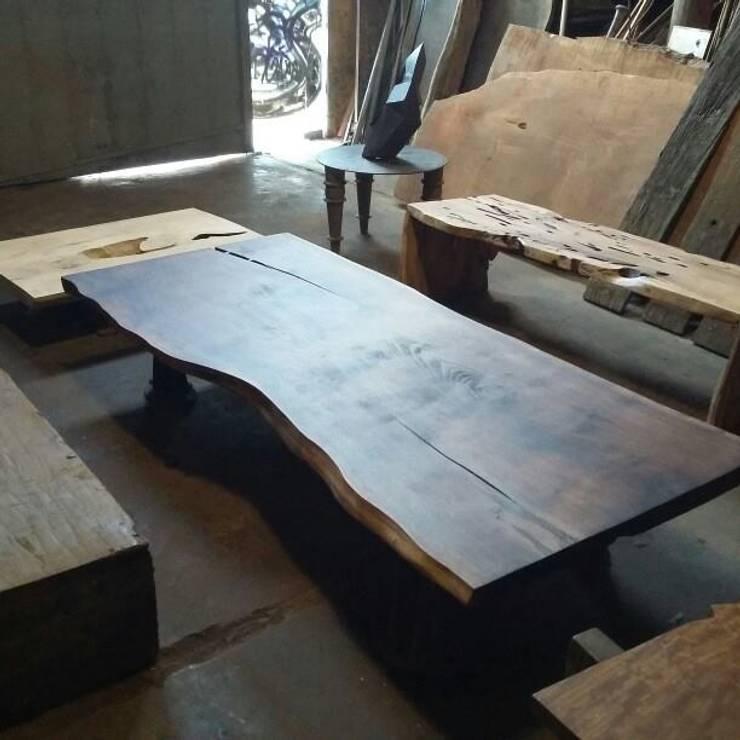 Mesas de madera : Cocinas de estilo  por Diego Musadi Muebles