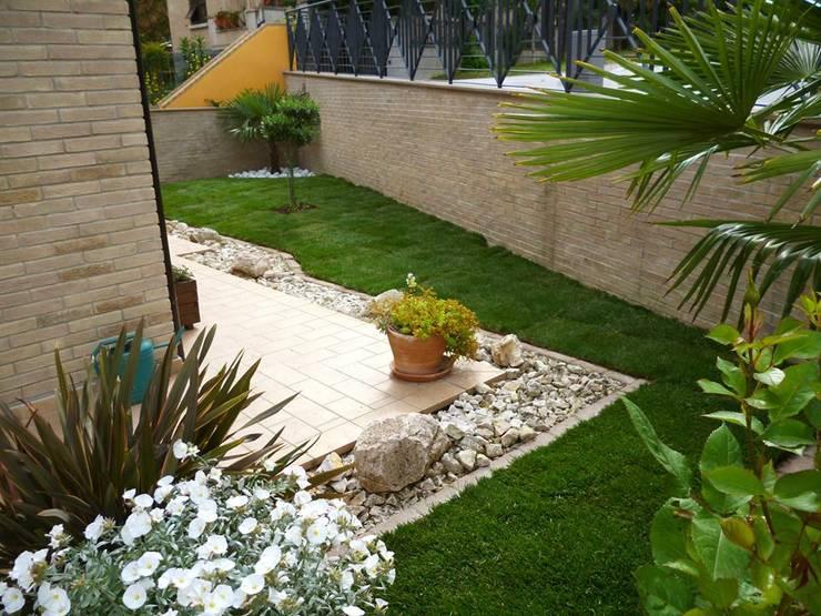 Jardines de estilo  por Studio Botanico Ventrone Dr. Fulvio