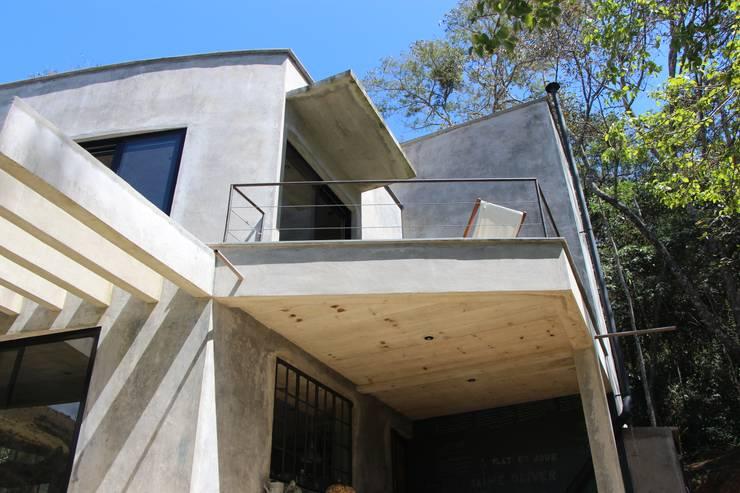 Houses by Carlos Salles Arquitetura e Interiores,