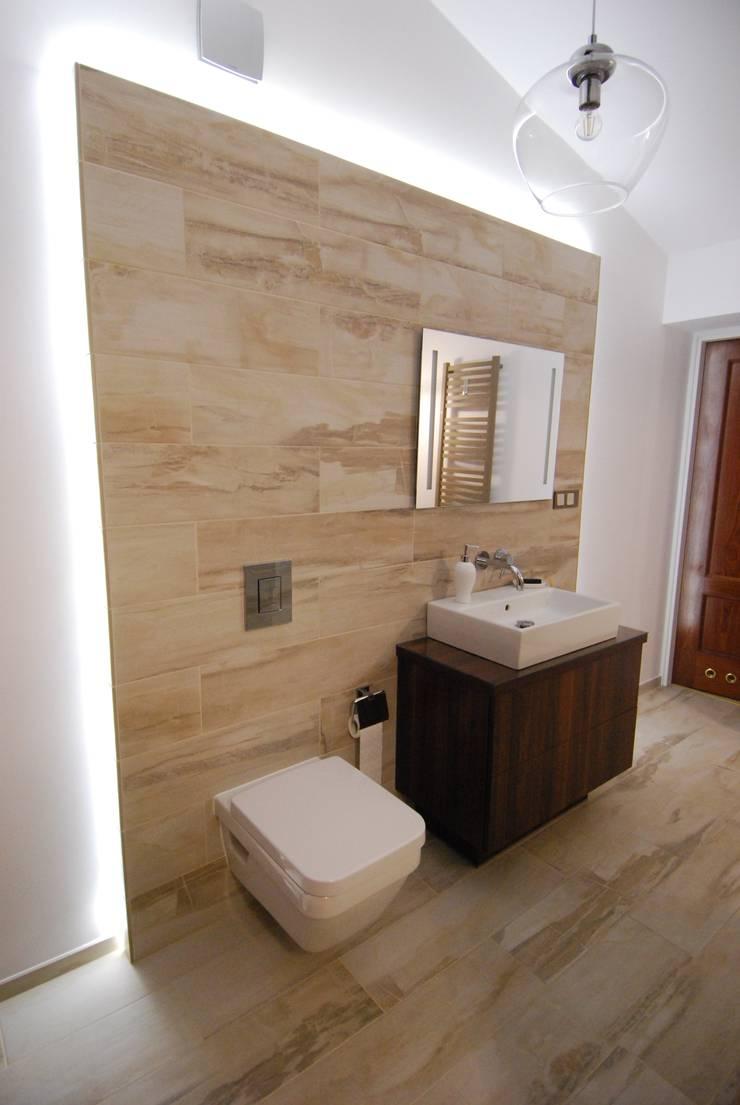 Ząbki.: styl , w kategorii Łazienka zaprojektowany przez 4 kąty a stół 5 Pracownia Projektowa Ewelina Białobrzewska