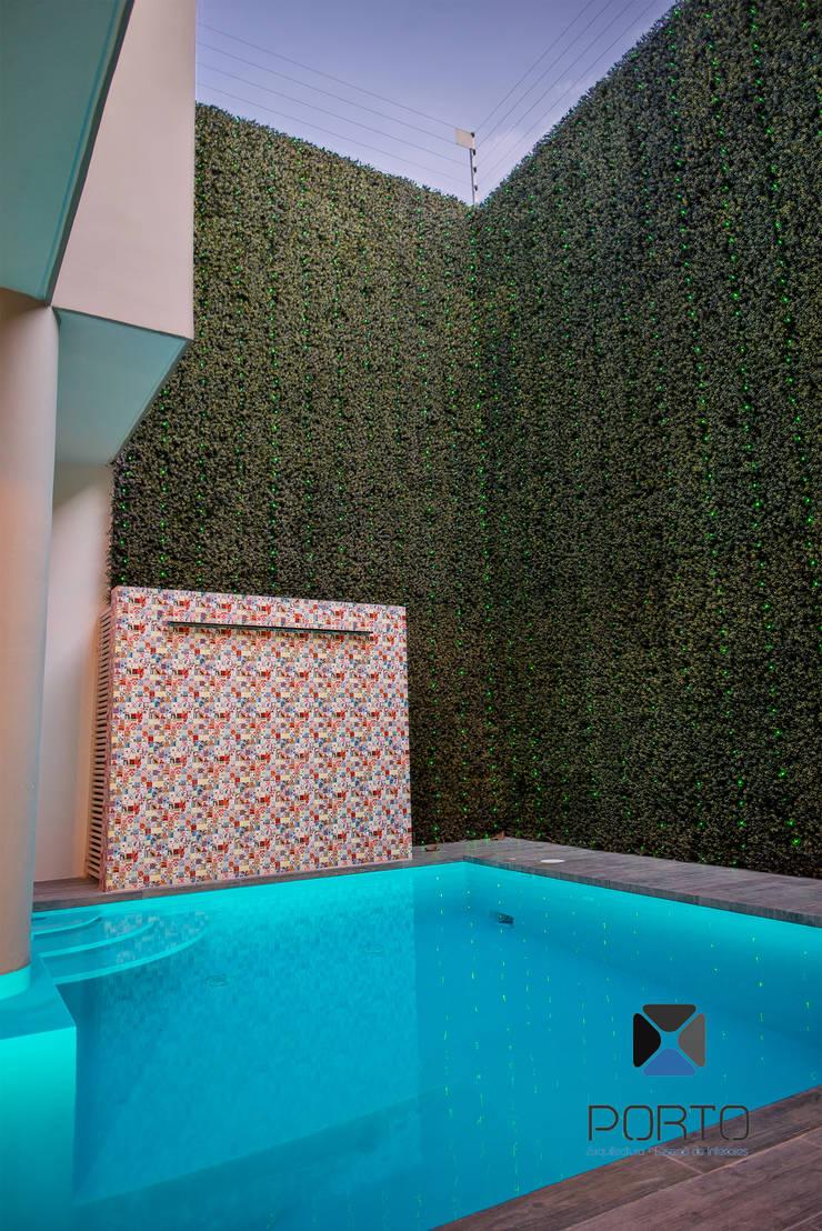Segunda parte proyecto <q> La Ramona</q>. : Albercas de estilo  por PORTO Arquitectura + Diseño de Interiores