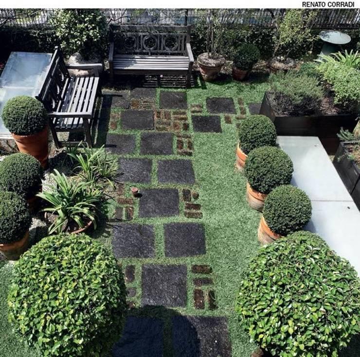 Prestação de serviços em grama : Terraços  por A.Pprestação de serviços ,