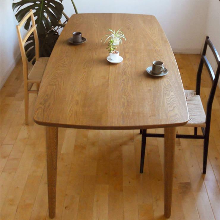 ダイニングテーブル DT02: wood works GLOBEが手掛けたダイニングルームです。,