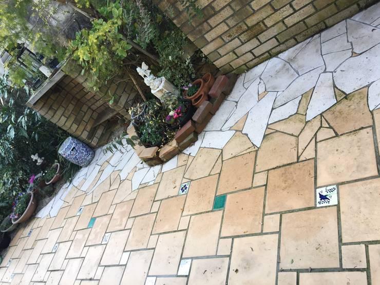 庭in福岡市: 庭園空間ラボ teienkuukan Laboが手掛けた庭です。