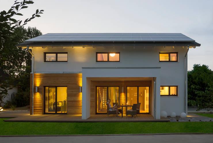 บ้านและที่อยู่อาศัย by Licht-Design Skapetze GmbH & Co. KG