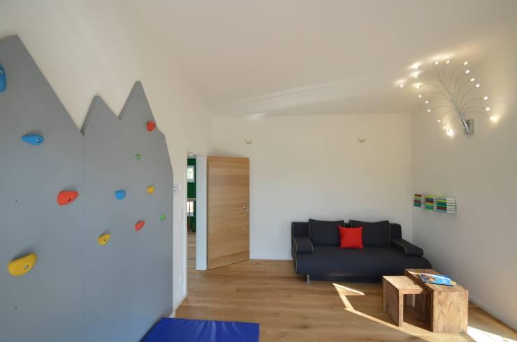 Chambre de style de style Moderne par Licht-Design Skapetze GmbH & Co. KG