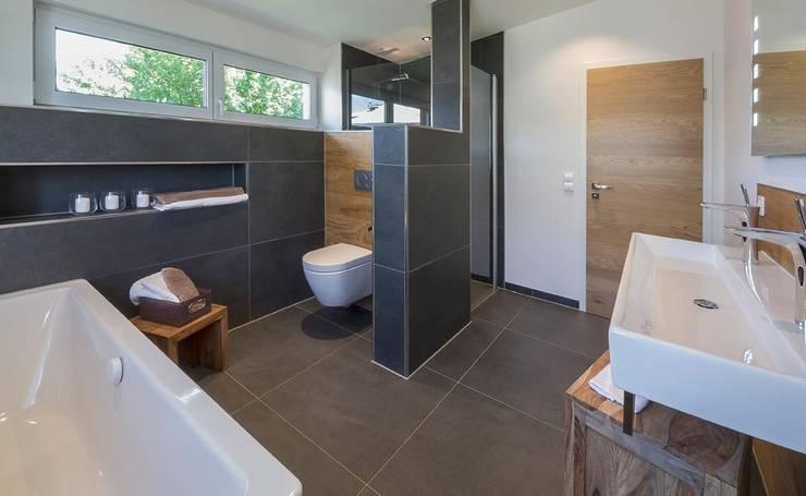 حمام تنفيذ Licht-Design Skapetze GmbH & Co. KG