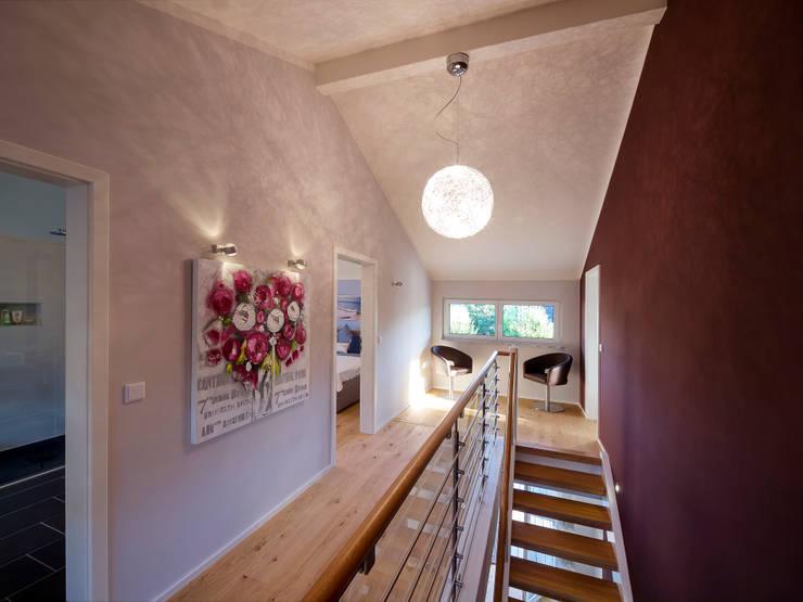 Licht-Design Skapetze GmbH & Co. KG:  tarz Koridor ve Hol
