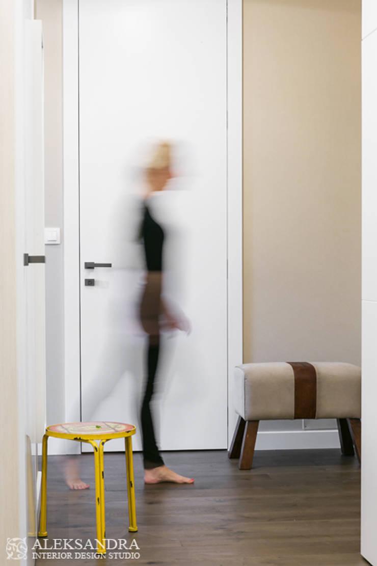 hol: styl , w kategorii Korytarz, przedpokój zaprojektowany przez ALEKSANDRA interior design studio