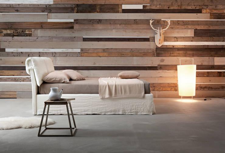 Malibù: Camera da letto in stile  di Ennerev,