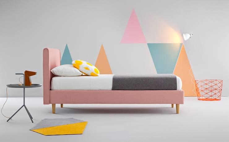 Agatha: Camera da letto in stile  di Ennerev,