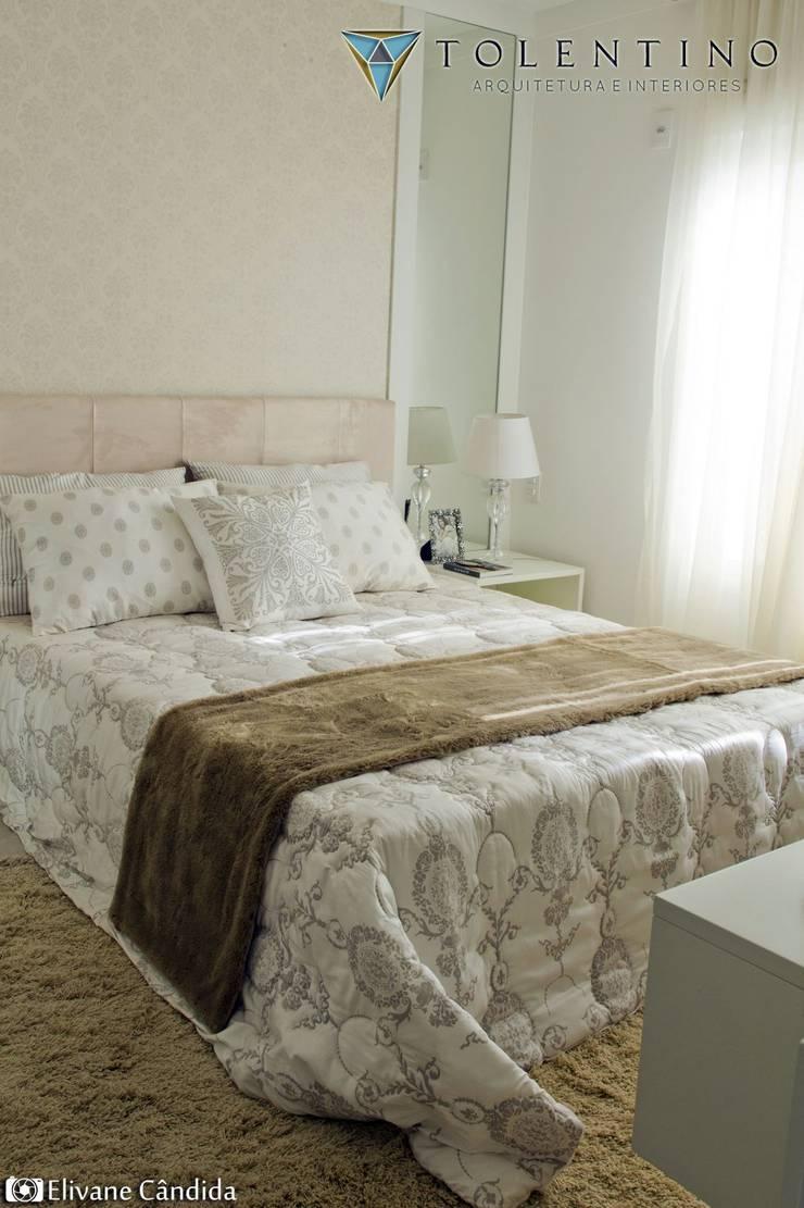 TOLENTINO ARQUITETURA E INTERIORESが手掛けた寝室, クラシック MDF