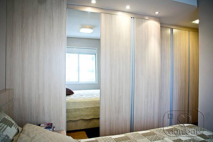 Apartamento – pequenos espaço: Quartos  por NATALIA ELLWANGER ARQUITETUTA,