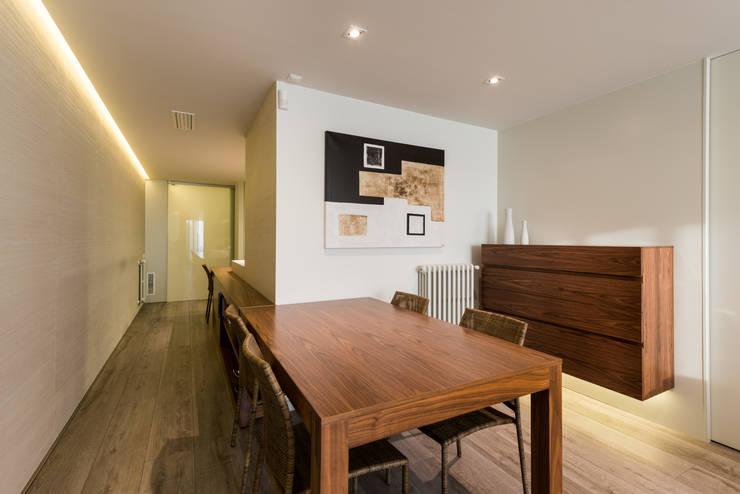 Salle à manger de style de style Moderne par Standal