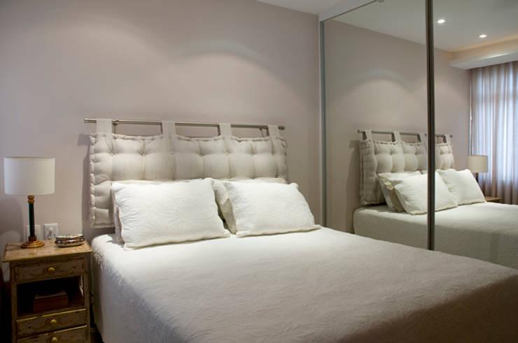 Apartamento Ipanema : Quartos  por Carlos Salles Arquitetura e Interiores,